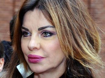 Alba Parietti, lacrime per la fidanzata del figlio morta in un incidente