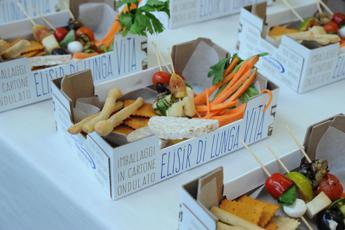 Imballaggi anti-spreco, arrivano quelli 'attivi' che allungano la vita di frutta e verdura