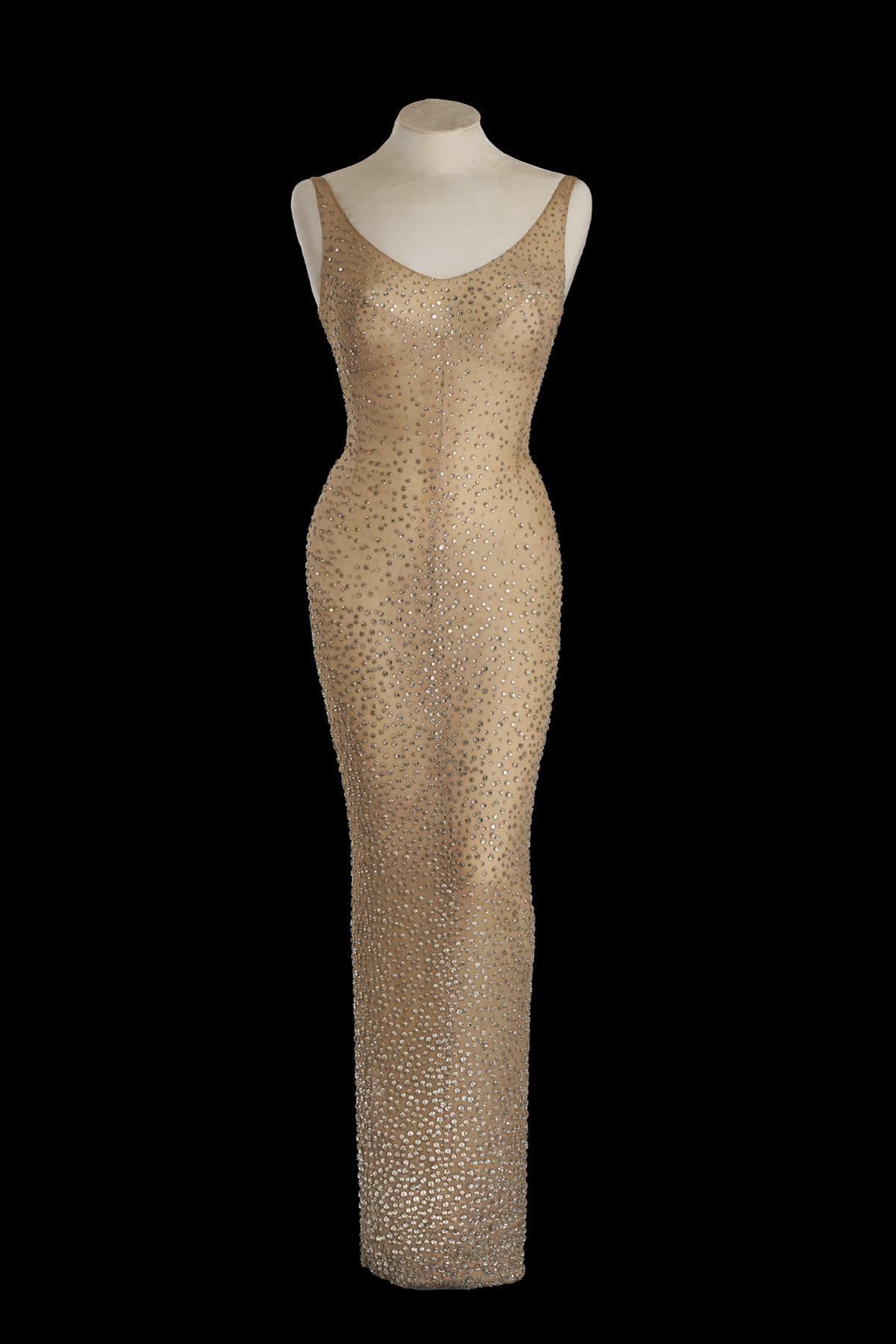 Marilyn Monroe, all'asta abito che indossò per cantare 'Happy Birthday' a Kennedy