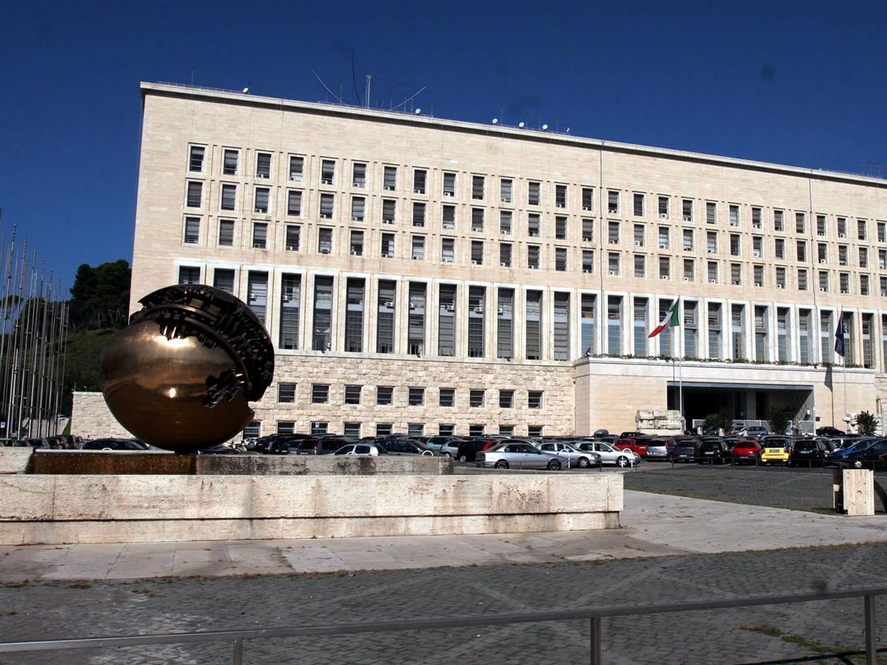 """Farnesina, Gentiloni: """"Con legge di bilancio più forza nel mondo"""""""