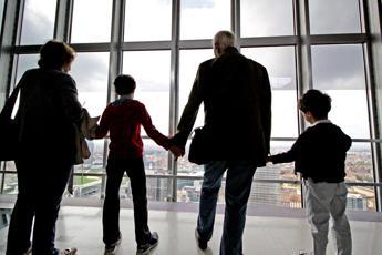 Nonni preziosi, fanno un 'lavoro' da oltre 2000 euro al mese