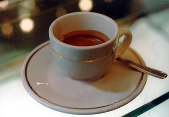 Troppa caffeina per gli adolescenti italiani