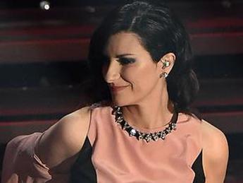Non sono incinta, Laura Pausini smentisce le voci sulla sua presunta gravidanza