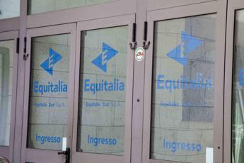 Buste con polvere sospetta a Equitalia: paura anche a Milano