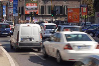 Bollo auto, verso stop fino al 31 ottobre: ecco dove