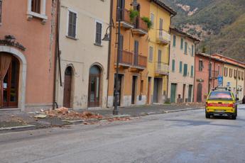 Terremoto, ancora scosse nella notte: le più forti tra Macerata e Perugia