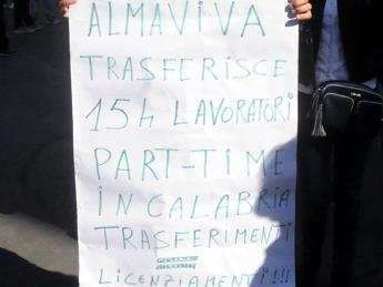 Almaviva conferma i trasferimenti, Vella: