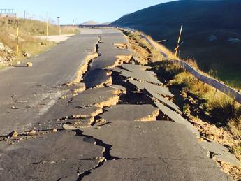 Ok Cdm al decreto sul sisma. Mattarella: 'Non siete soli'