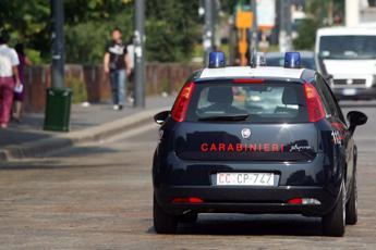 Sequestra e violenta la ex che vuole lasciarlo, arrestato 29enne a Salerno