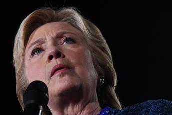 Mailgate, Hillary Clinton: Fbi spieghi, sono fiduciosa