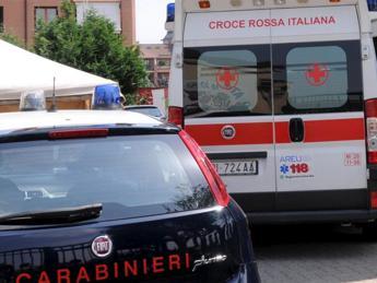 Salerno, uccide il cugino a colpi di forbice dopo lite: arrestato 28enne