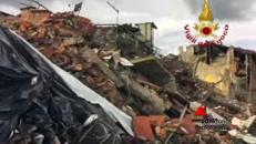 Sisma, ad Amatrice crollato il ''palazzo rosso'': simbolo del 24 agosto