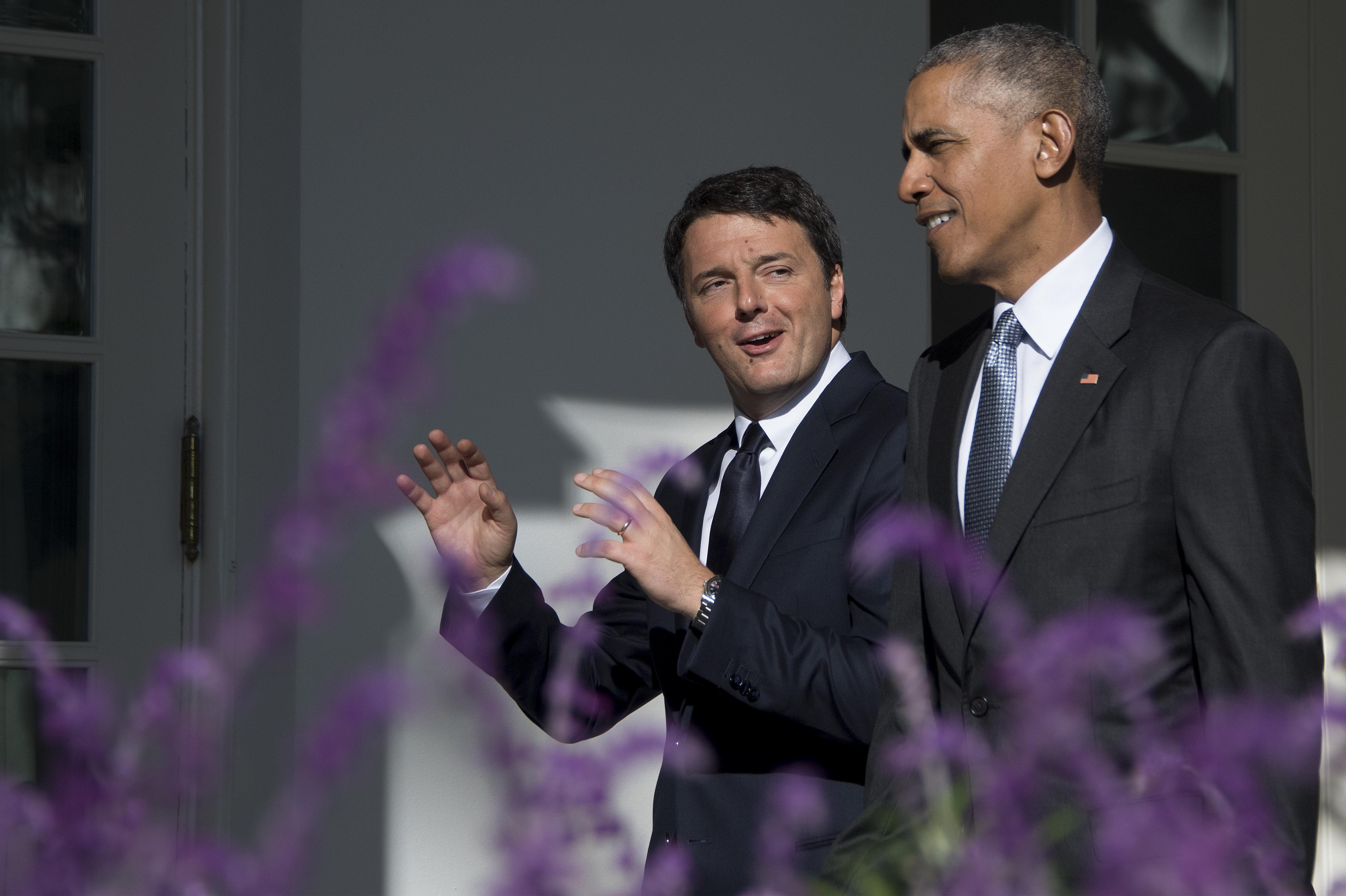 Italia-Usa, stretta di mano Obama-Renzi nello Studio Ovale