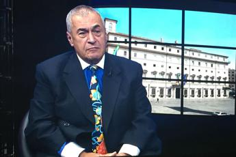Tony Podesta all'AdnKronos: Trump si avvantaggia di hackeraggio russo /Video
