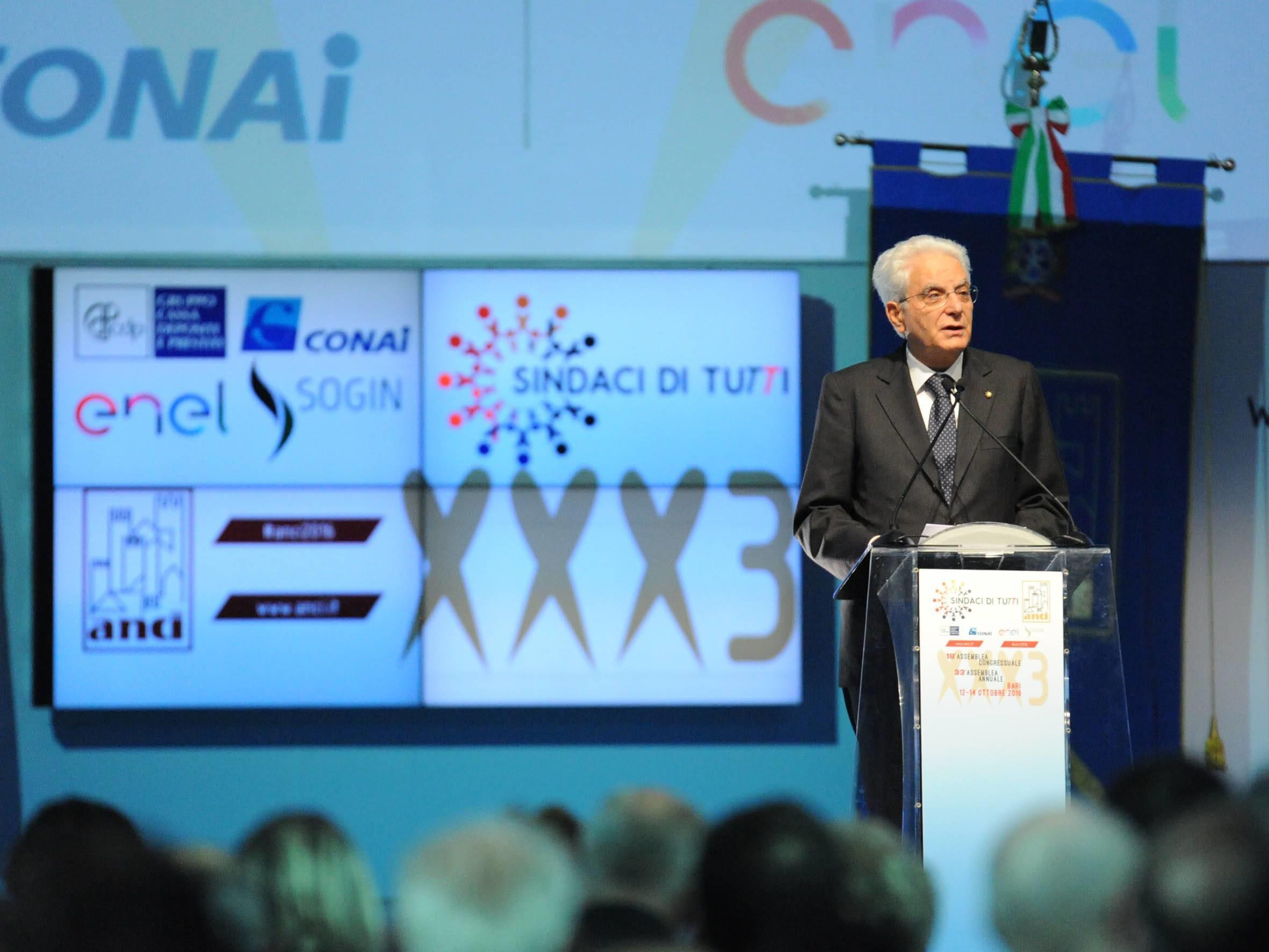 """Referendum, Mattarella: """"Confronto sia composto e rispettoso"""""""