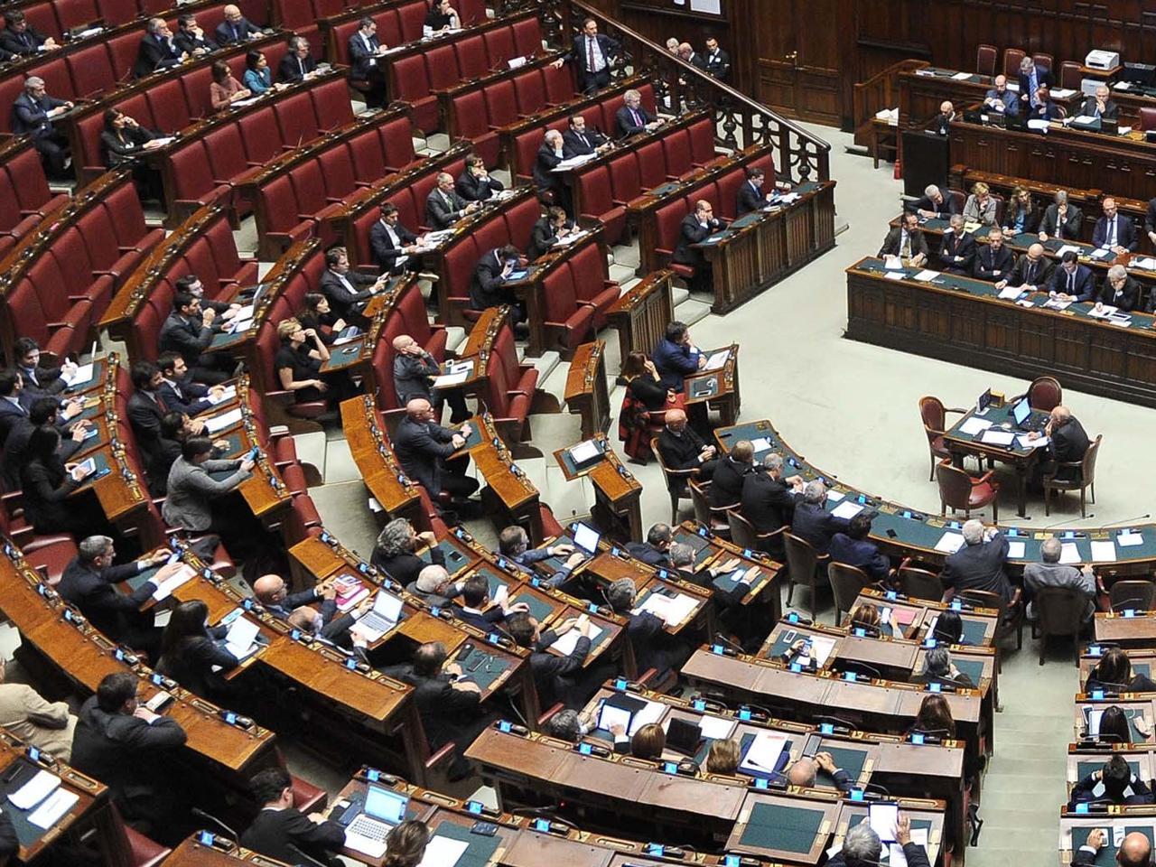 Ritorno in aula a Montecitorio per Meloni neo mamma, 'match' con Boschi su spot referendum