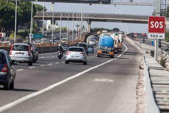 Roma, incidente sul Gra: un ferito e traffico in tilt