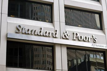 S&P: conferma rating Italia BBB-, outlook stabile (RCOP)