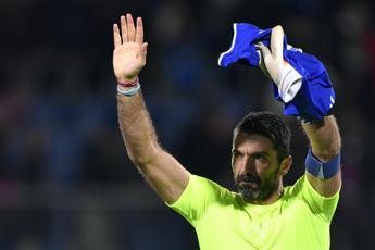 Buffon saluta la Juve