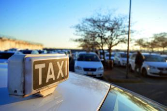 Taxi nel mirino Antitrust, istruttoria su principali società Roma e Milano