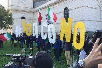 Referendum, M5S: Voto all'estero a rischio brogli