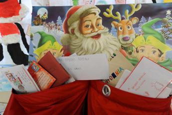 Basta bugie su Babbo Natale, per gli esperti mentire ai bimbi è sbagliato