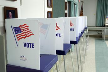 Usa, 31enne si ferma a votare Clinton con le doglie e poi va a partorire