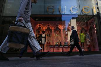 Da Gucci a Tiffany, shopping blindato per le boutique vicino alla Trump Tower