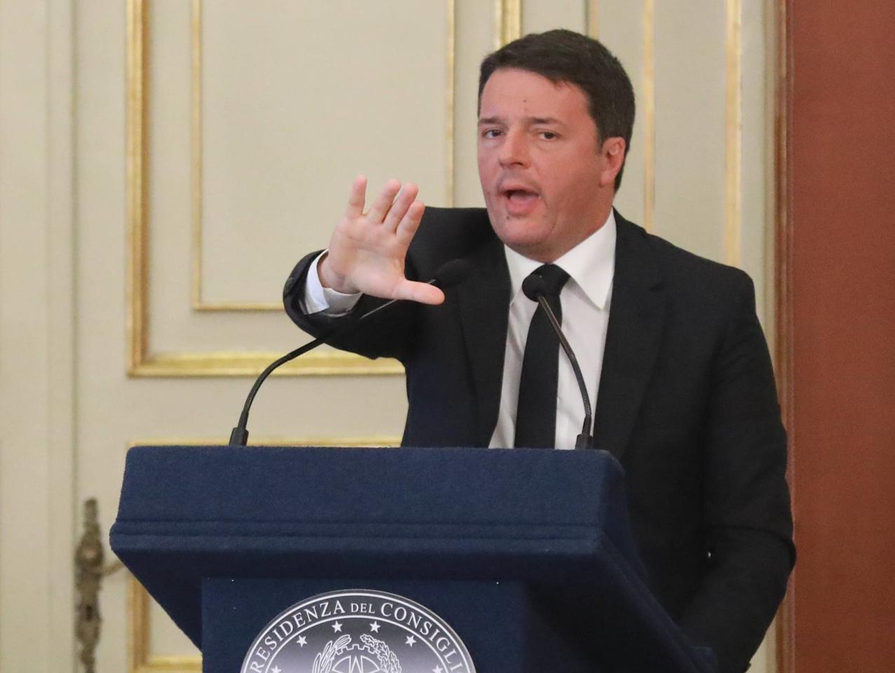 """Renzi: """"Imi? Non sta né in cielo né in terra"""""""