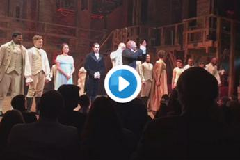 Il cast di 'Hamilton' lo ha assalito, Trump chiede le scuse per Pence /Video