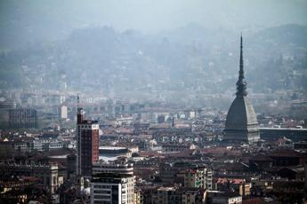 Torino,auto vicesindaco in sosta vietata