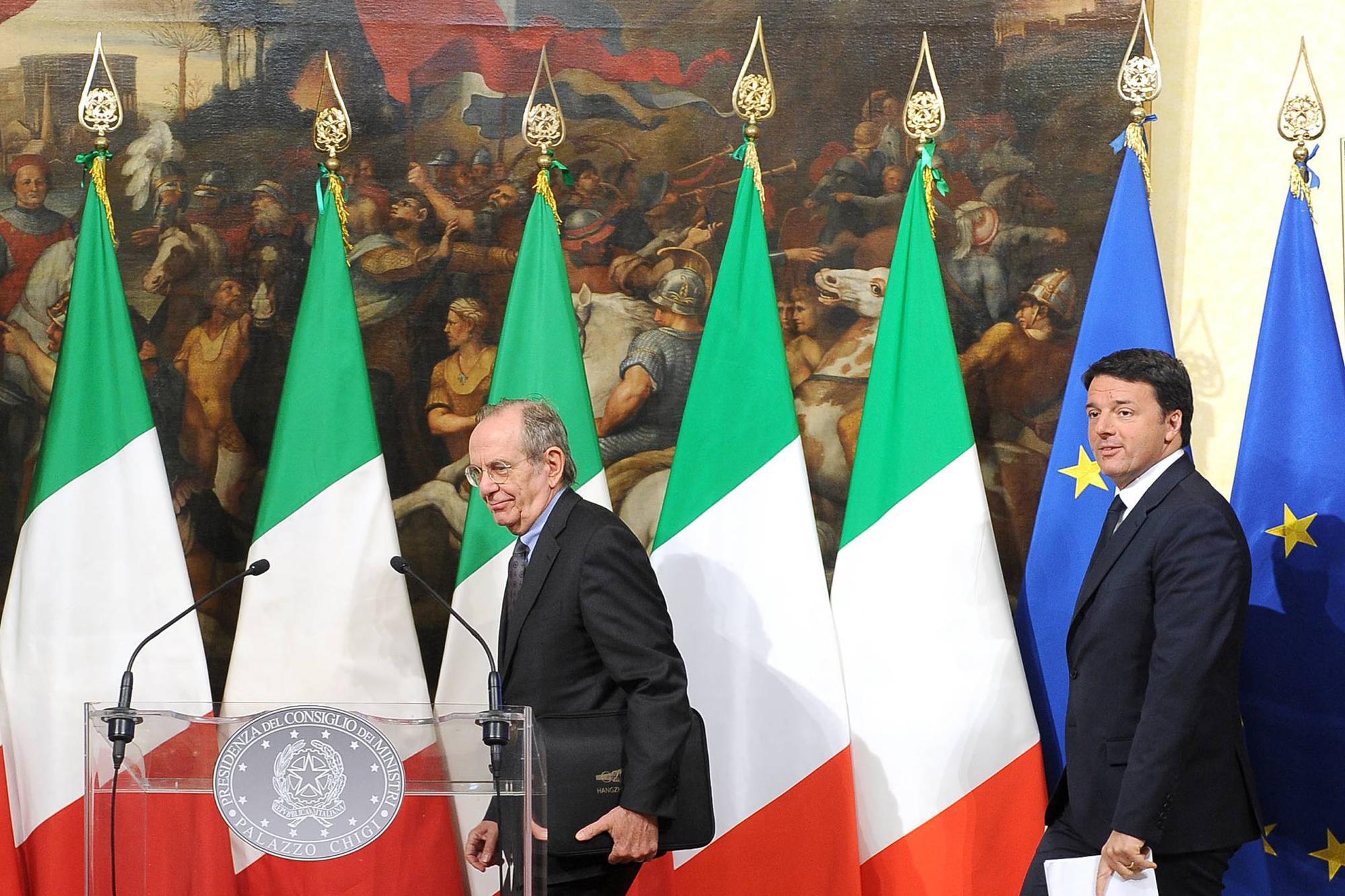 """L'Ue avverte l'Italia: """"La manovra rischia di non rispettare il patto"""""""