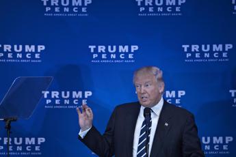 Trump, via l'Obamacare e sullo stop ai musulmani è dietrofront