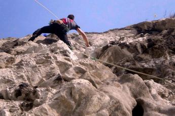 Alpinisti dispersi sul Monte Bianco, sospese le ricerche