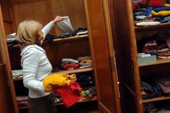 Dai vestiti al letto: l'elenco dei beni non pignorabili