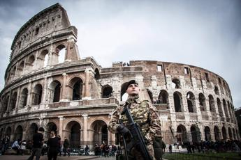 Buche a Roma, militari solo per le emergenze