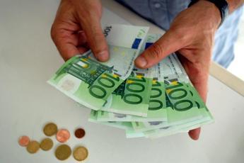 Bonus 80 euro è costato 9 miliardi. Quasi 2 milioni devono restituirlo