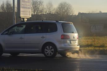 È allarme smog, stop alle auto da Nord a Sud