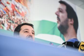 Migranti, Salvini: Al governo per espulsioni di massa e chiusura centri