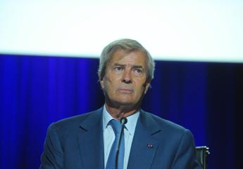 Vivendi: Credit Suisse vede rischi, incerti piani su Telecom e Mediaset