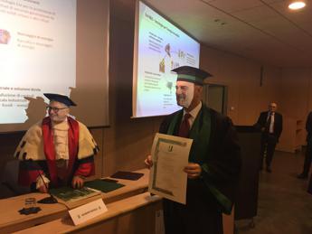 Eni, laurea honoris causa a Descalzi: Da 2010 investiti 1,5 mld in ricerca