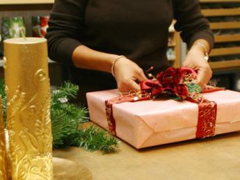 Natale, 7 italiani su 10 faranno regali. Cibo e giocattoli al top