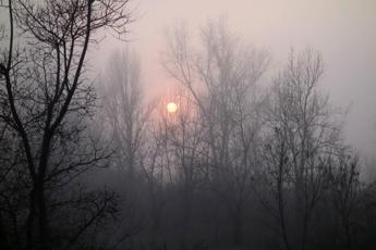 Italia dominata dall'alta pressione, nebbia al Nord e inquinamento alle stelle