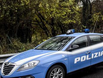 Giornali e dvd farciti alla cocaina, edicolante arrestato a Milano