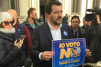 Salvini: Voti per il Sì comprati all'estero /Video