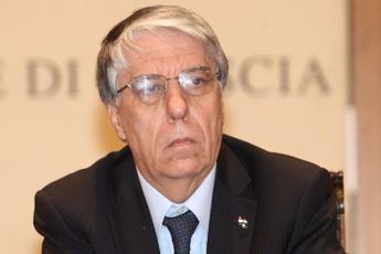 Giovanardi contro Fedez e J-Ax: Cattivi maestri
