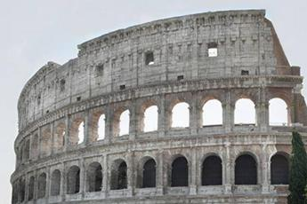 Brasilian hospitalised after fall from Colosseum