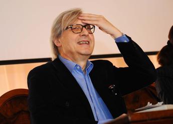 Sgarbi: Il divieto di sedersi a Trinità dei Monti è di stampo fascista