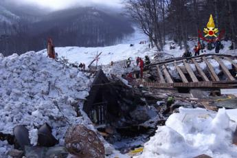 Last bodies rescued from avalanche-hit hotel