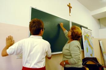 Bussetti: Il crocifisso? Giusto che sia nelle aule